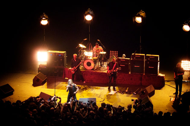 Iggy and the Stooges live