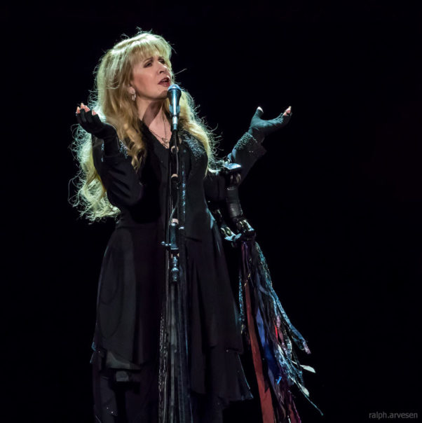 Stevie Nicks  at the Frank Erwin Center in Austin, Texas on her 24 Karat Gold Tour, 2017. Ralph Arvesen / Wikimedia Commons