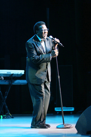 Reverend Al Green performs at the Chumash Casino, 2006. Photo: Dwight McCann/wikimedia commons.